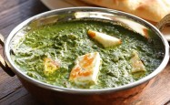 Spinach is extremely versatile and goes well in everything from salads to lasagne to this Indian palak paneer spinach curry.